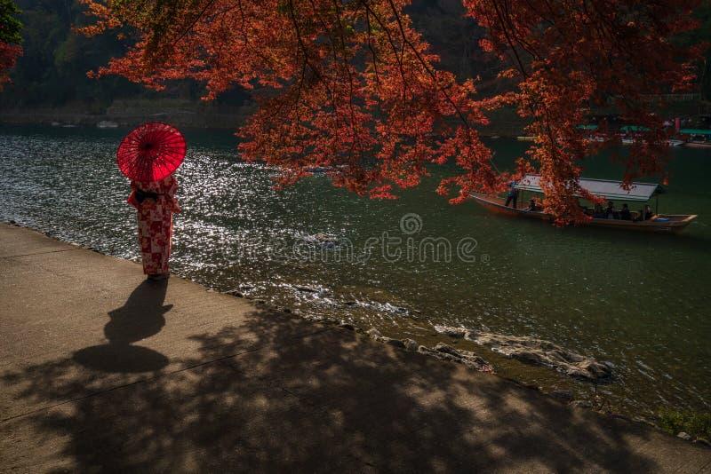 在Arashiyama河的一个早晨在京都,日本 库存图片