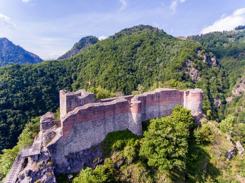 在Arefu附近的Poenari堡垒 弗拉德三世城堡在Transylv 免版税库存照片