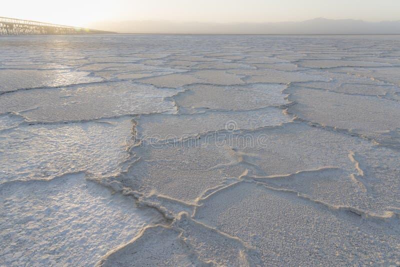 在Asale湖盐平原的日落Danakil消沉的在埃塞俄比亚,非洲 免版税库存图片