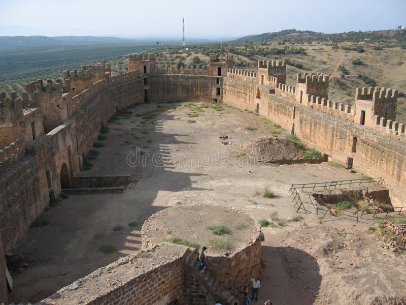 在Baños de la恩西纳,西班牙的华美的城堡墙壁 免版税库存照片