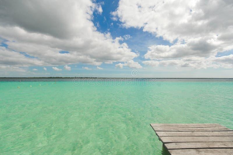 在bacalar盐水湖的Idillyc颜色 库存图片