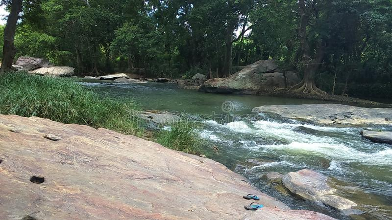 在badulla的美丽的水小河 库存照片
