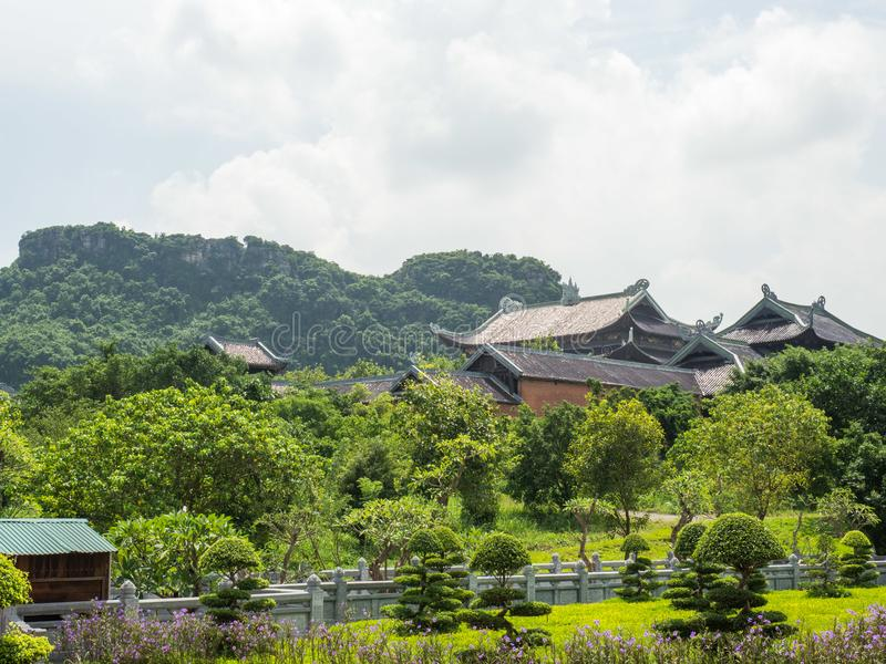 在Bai Dinh寺庙的看法在Ninh Binh 免版税图库摄影