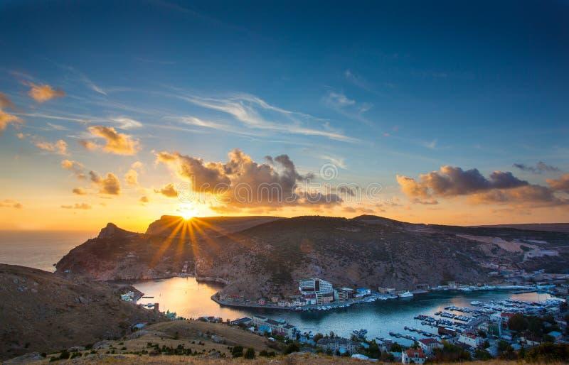 在Balaklava海湾的日落 克里米亚 balded 免版税库存图片