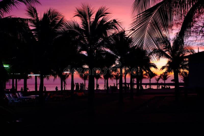 在Bamampur海滩泰国的日落 免版税库存图片
