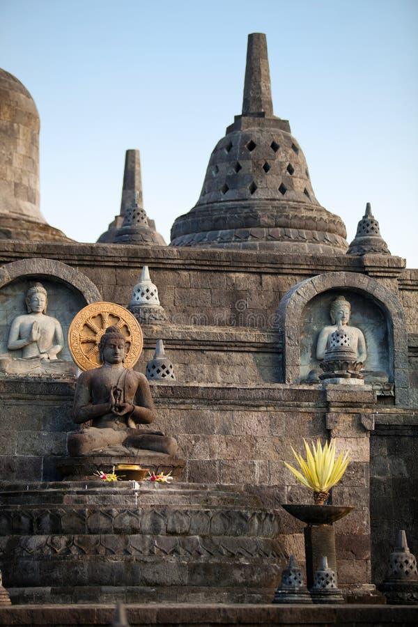 在Banjar budhist寺庙巴厘岛的菩萨雕象 免版税库存图片