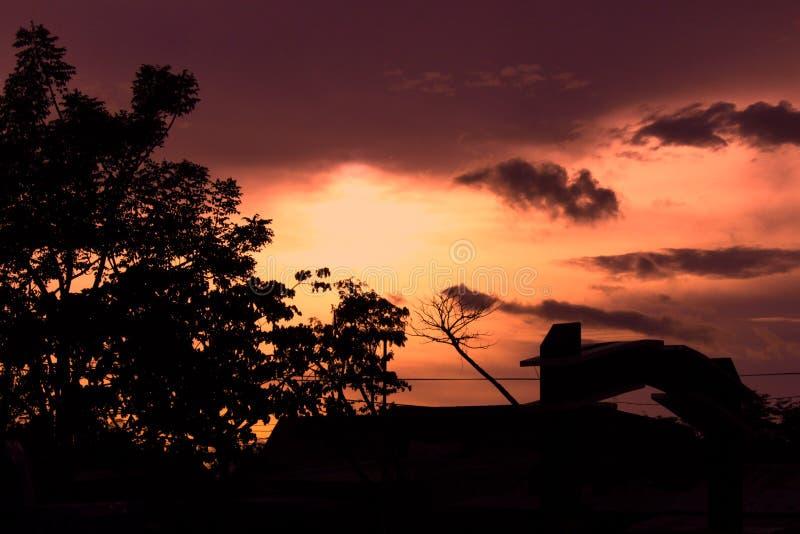 在bantaeng苏拉威西岛Selatan的日落 库存图片