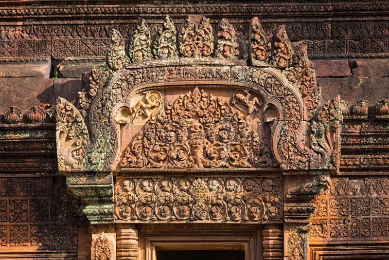 在Banteay Srei的一个浅浮雕 库存图片