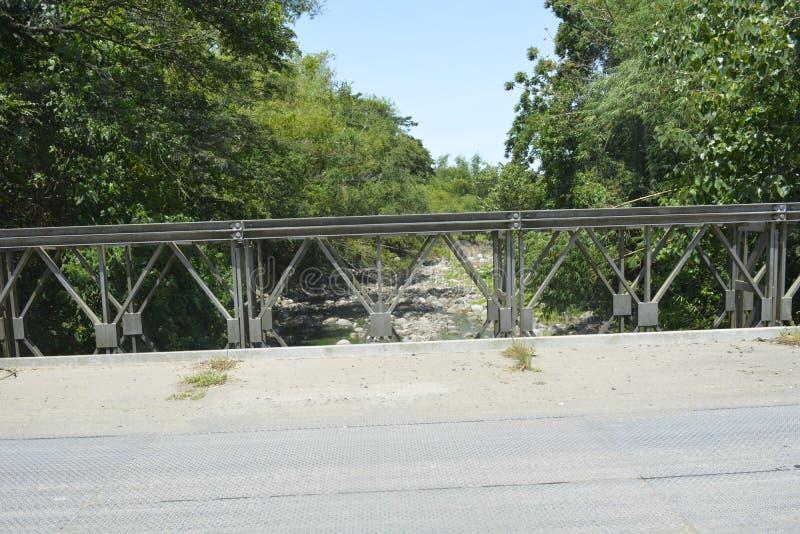在barangay Tiguman的Tiguman桥梁, Digos市,南达沃省,菲律宾 库存照片