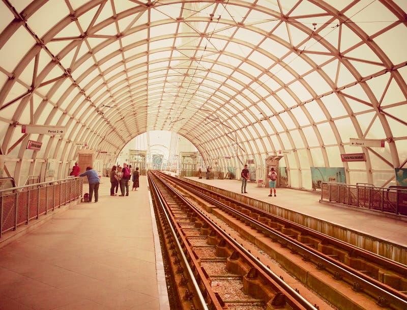 在Basarab桥梁电车驻地的印象深刻的建筑学从布加勒斯特 图库摄影