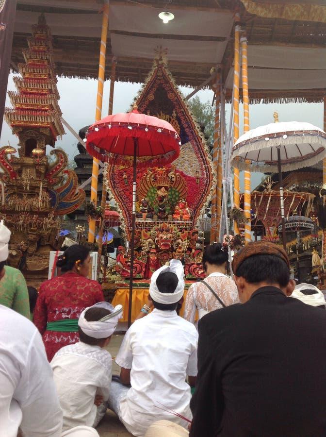 在Batur寺庙的印度教仪式 库存照片
