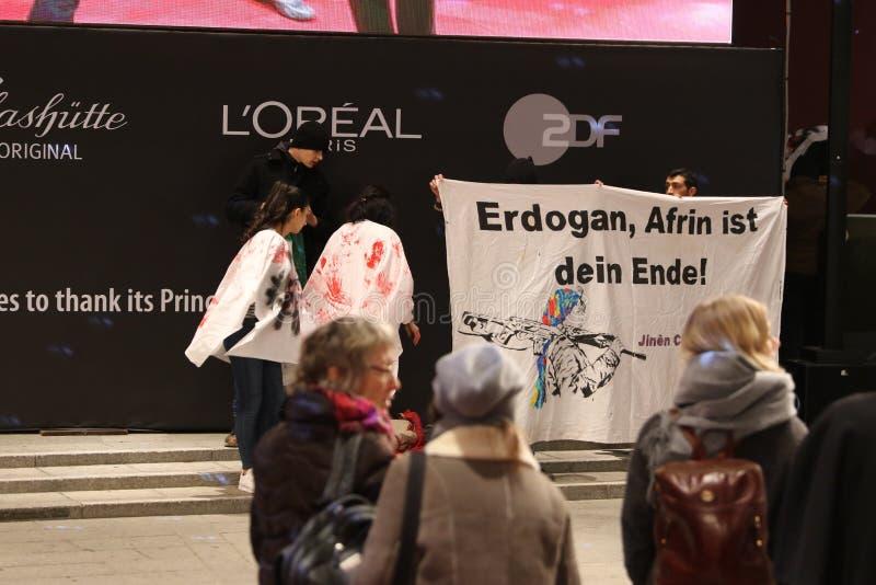 在Berlinale的Efrîn抗议 库存照片
