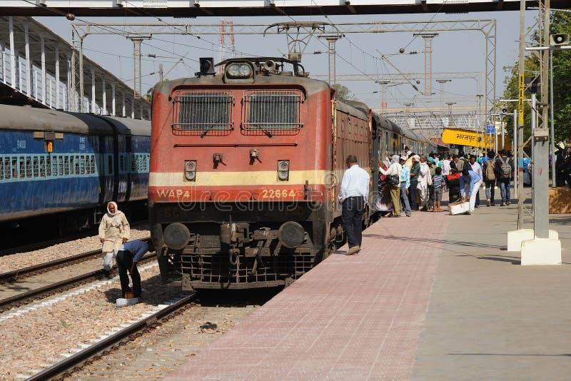 在Bharatpur连接点,印度的火车 库存图片