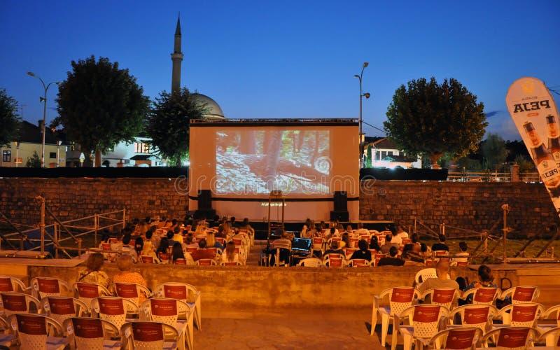 在Bistrica河,普里兹伦的河戏院 免版税库存照片