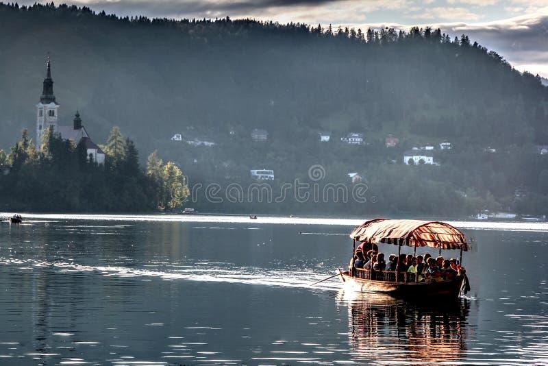 在Bled湖的小船  免版税图库摄影