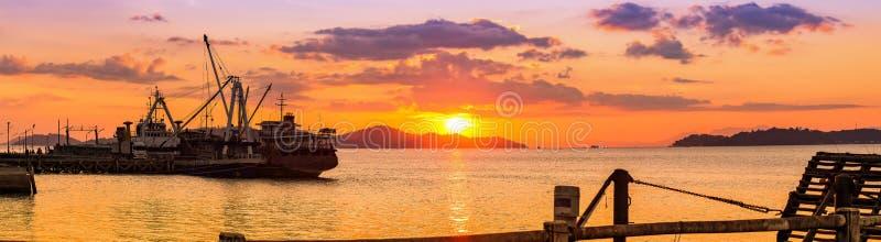在Bodin码头, Ranong,泰国的美好的日落 库存照片