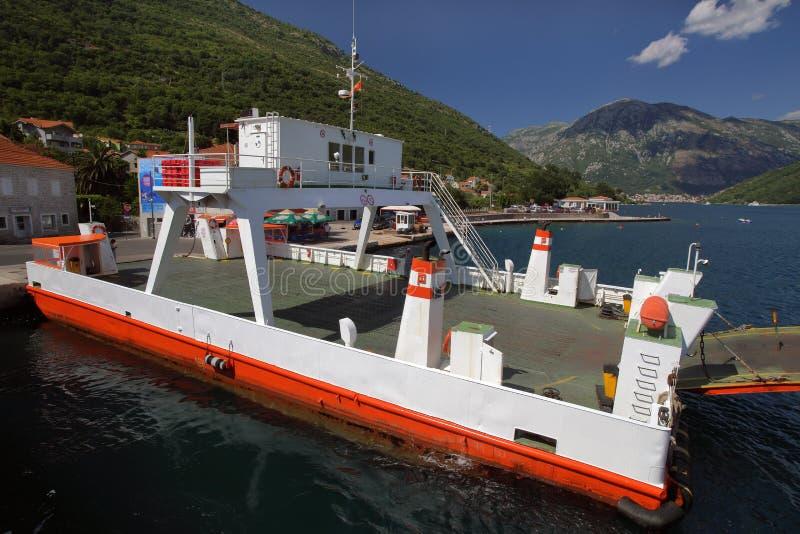在Boko科托尔海湾,黑山的轮渡 库存图片