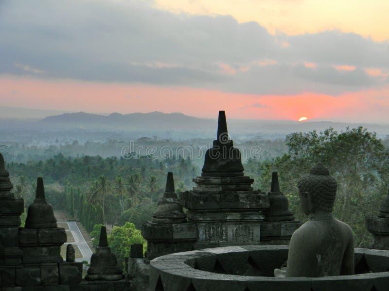 在borobudur寺庙的日出 免版税图库摄影