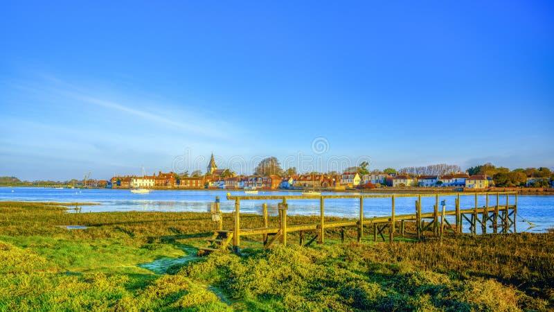 在Bosham港口和村庄,西萨塞克斯郡,英国的日出 免版税库存图片