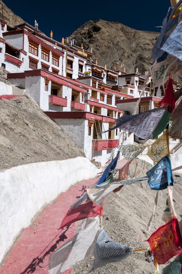 在budhist修道院Rhizong,拉达克,印度的Parying旗子 库存图片