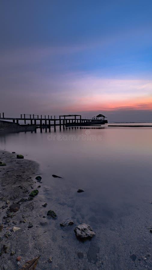 在bulakan海滩的日落 库存照片
