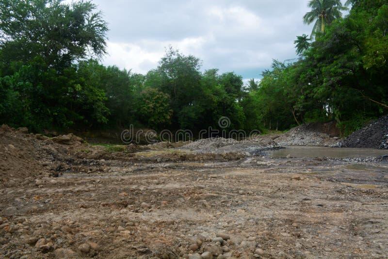 在Bulatukan河,新的Clarin, Bansalan,南达沃省,菲律宾挖掘区域 免版税图库摄影