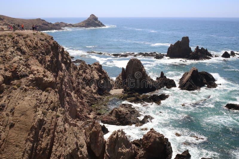 在Cabo de加塔角的警报器礁石 免版税库存图片