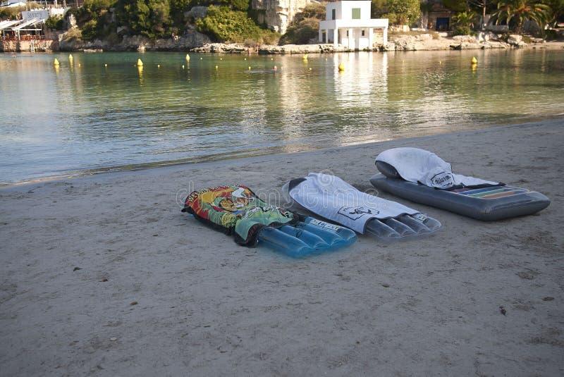 在Cala布朗卡的Inflatables matress 库存图片