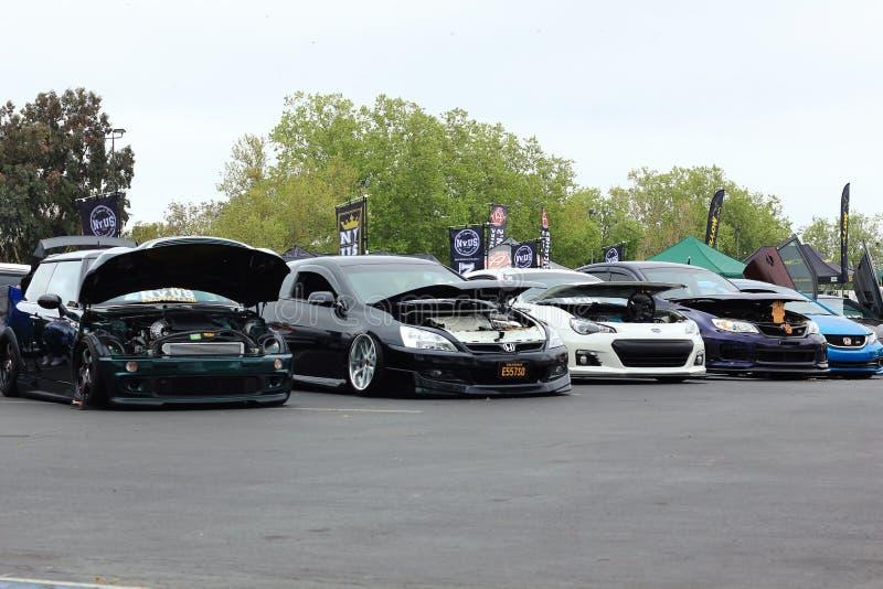 在Carnvl普莱加利福尼亚在一起的展示汽车 库存图片