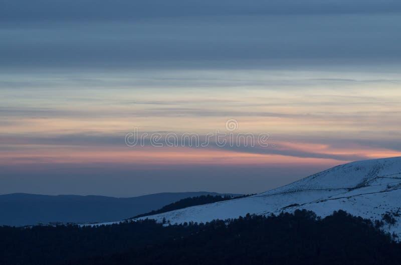 在carpatian山的日落,乌克兰 库存照片