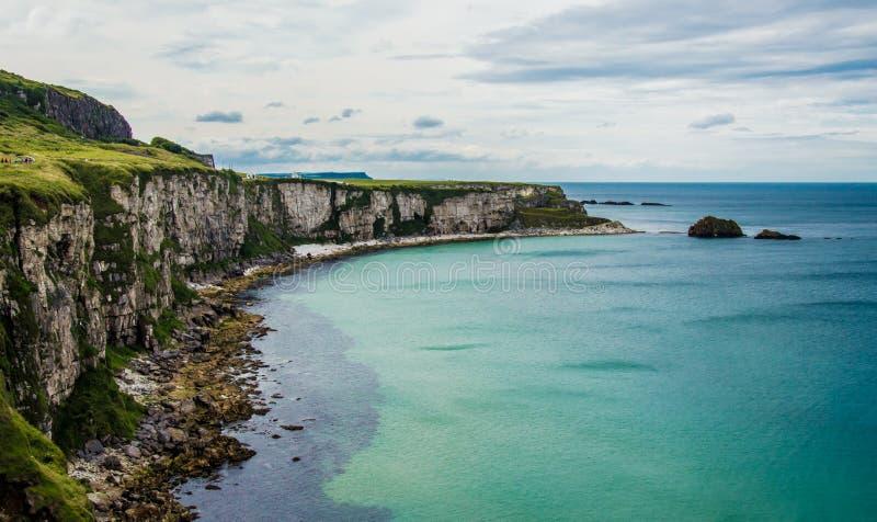 在Carrick-a-rede的海景 库存图片