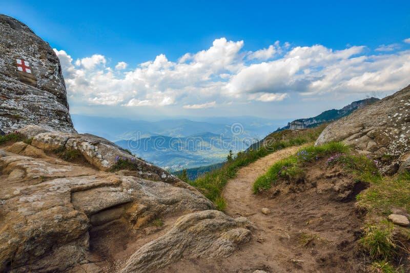 在Ceahlau山的岩石lanscape,罗马尼亚 库存图片