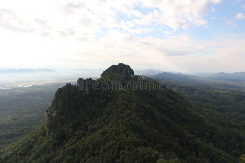 在chiangmai的大山 免版税图库摄影