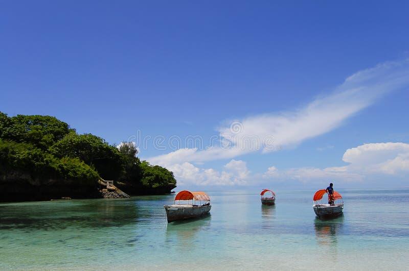 在Chumbe海岛-桑给巴尔-坦桑尼亚附近的小船 库存照片