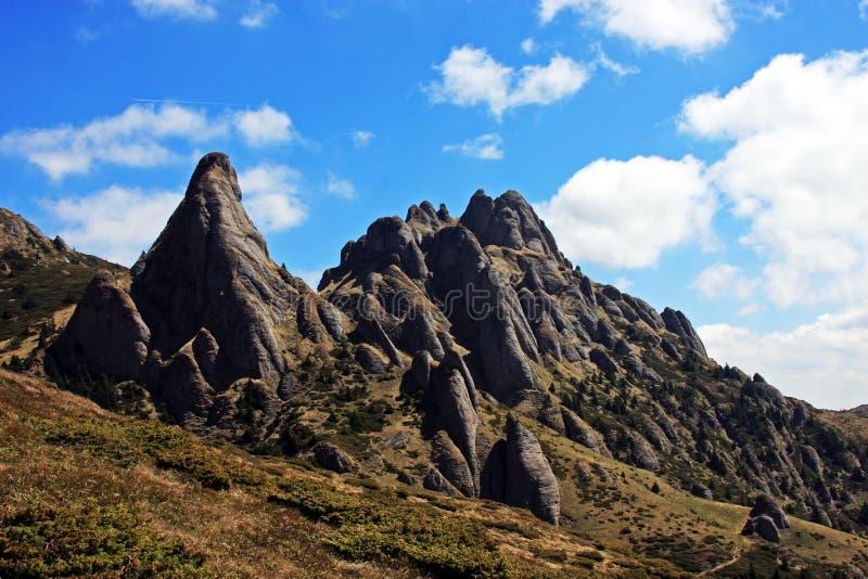 在Ciucas山的奇怪的岩层 免版税库存照片