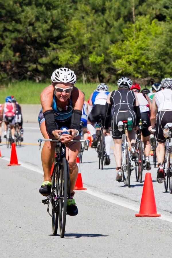 在Coeur d Alene Ironman循环的事件的Bree一点点 库存图片