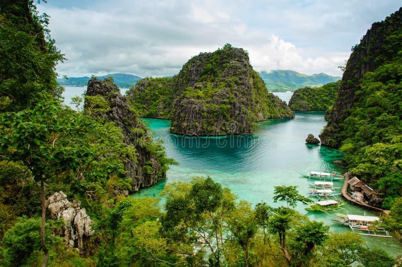 在coron,菲律宾的热带岸 库存照片