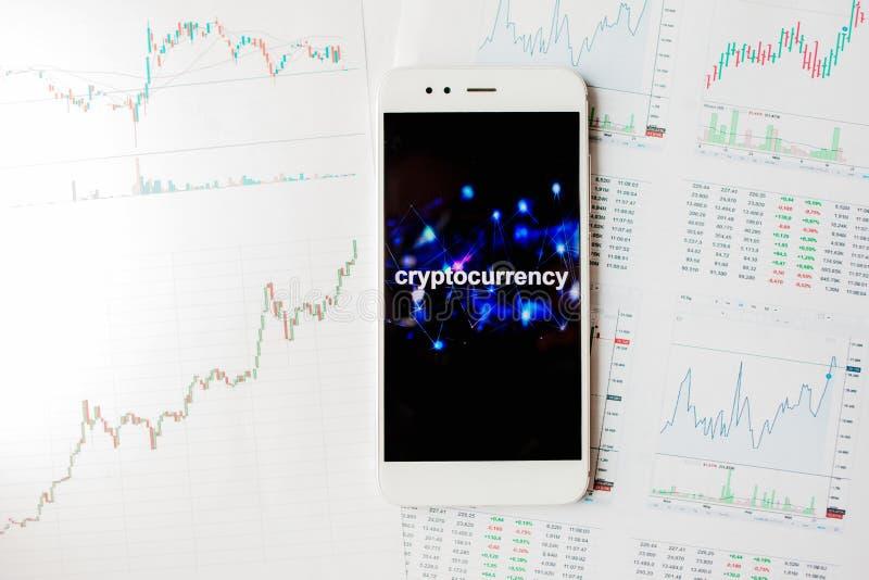 在cryptocurrencies的投资,概念 统计和报告,对cryptocurrency市场的分析 免版税库存照片
