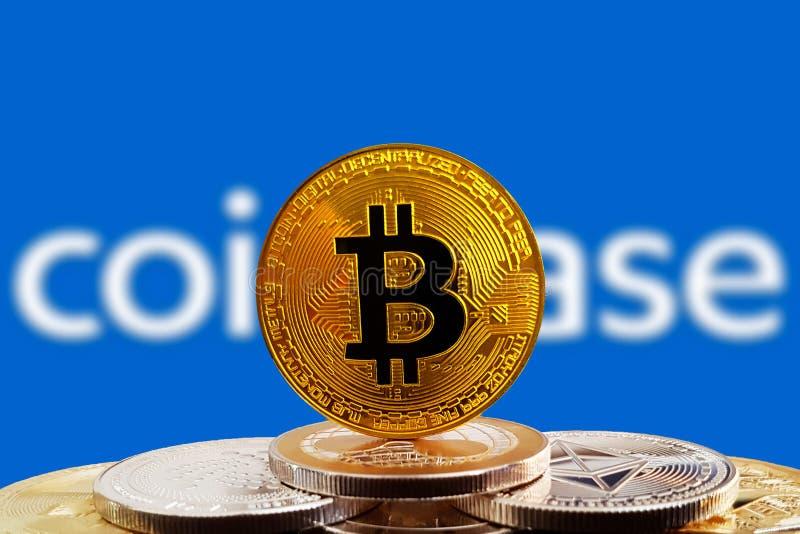 在cryptocurrency的Bitcoin BTC有Coinbase商标背景 库存照片