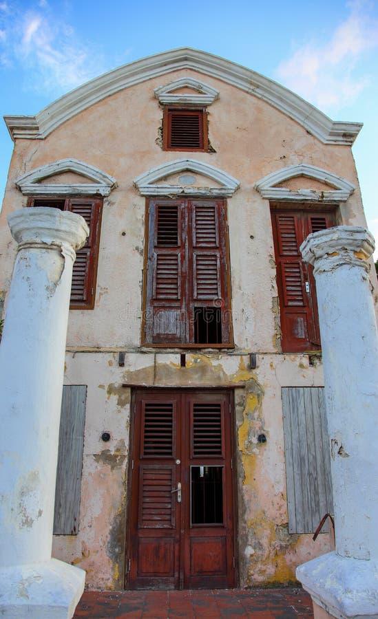 在Curasao的老粉碎的别墅 图库摄影