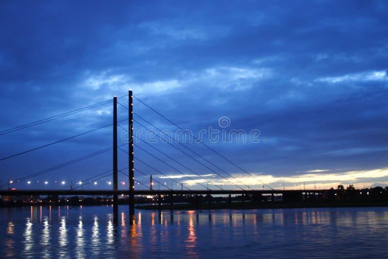 在DÃ ¼ sseldorf,德国的桥梁 免版税库存图片