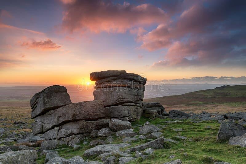 在Dartmoor的钉书针突岩 免版税库存照片