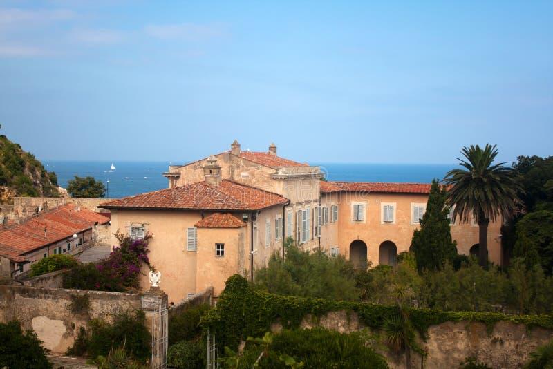 在dei elba海岛mulini视图别墅之上 图库摄影