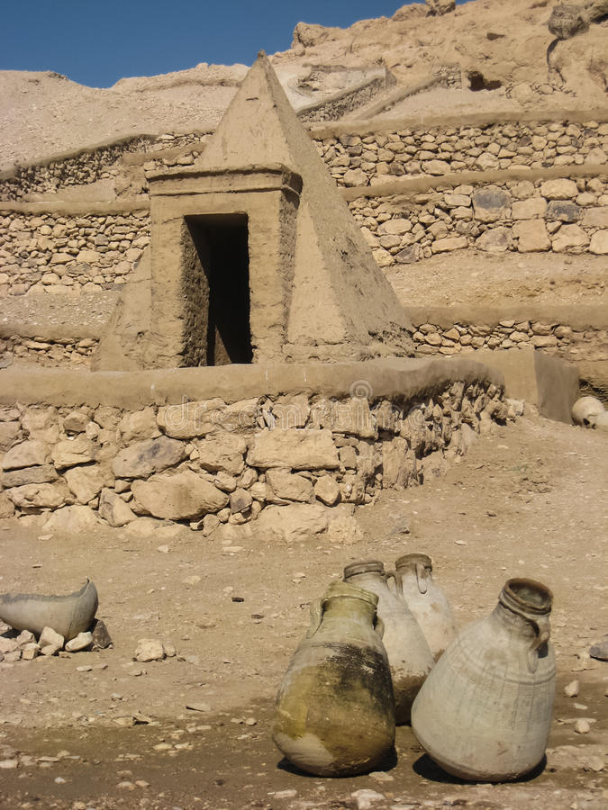 在Deir el Medina的坟茔。 卢克索。 免版税图库摄影