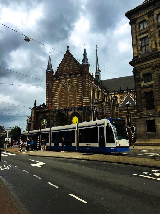 在dem正方形阿姆斯特丹的电车驻地 库存图片