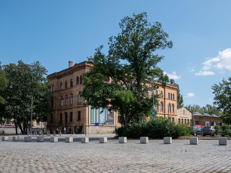 在Deutsches Technikmuseum前面在柏林在夏天 免版税库存照片