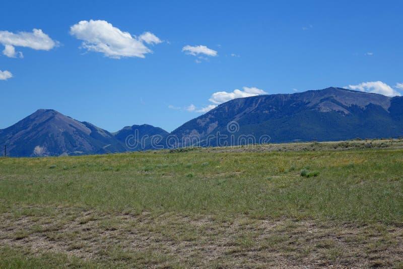 在Dillion,蒙大拿附近的山 免版税库存图片