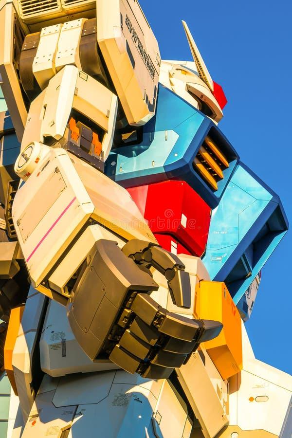 在DiverCity东京广场之外的大型Gundam表现, 皇族释放例证