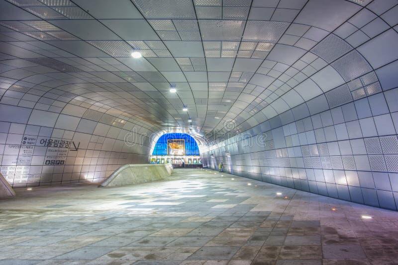 在Dongdaemun设计广场汉城,韩国的惊人的设计 库存照片