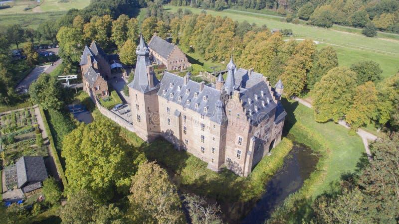 在Doorwerth城堡的鸟瞰图 免版税库存照片